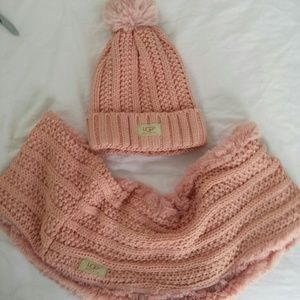 UGG. Pink 2 peace infinity scarf and hat